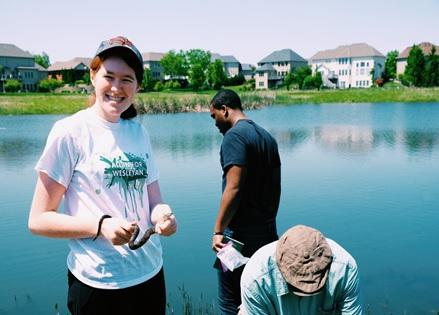 Herpetology students at Tipton Lake-Diversity Study
