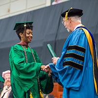 Illinois Wesleyan Celebrates Class of 2016