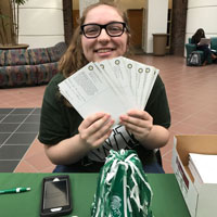 "Students ""Thank a Giver"" for Financial Support"