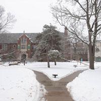 University to Close on Wednesday